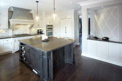 custom-kitchens-black-island-1000x800
